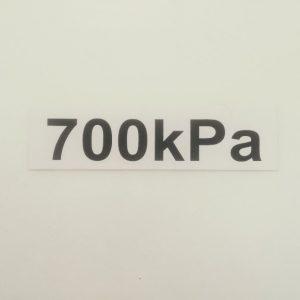 Nálepka - označenie tlaku v pneumatikách - 700 kPa