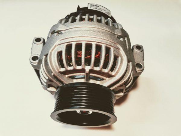 Alternátor 24V 110A